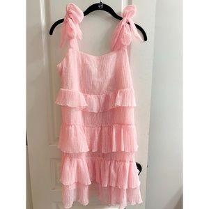 *NWT* Missguided Tie Shoulder Tiered Ruffle Dress